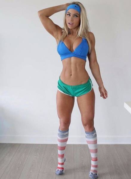 Sports Bras Were Invented Exactly For Such Photos!
