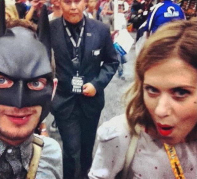 Elijah Wood Is The Genius Of Pics With Fans