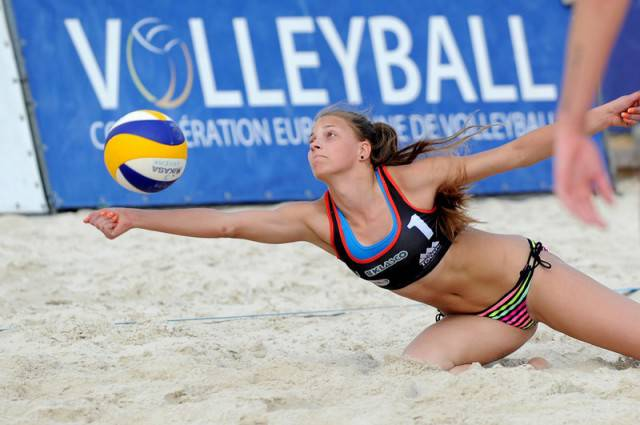 Women's Beach Volleyball Is The Best Sports Out There!