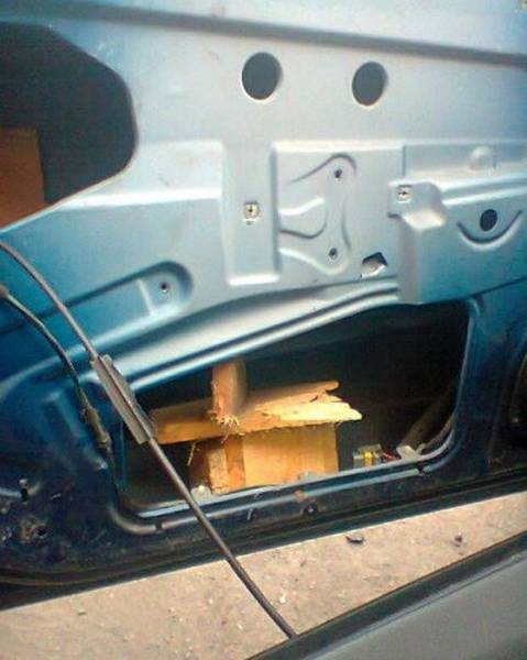Not An Expert, But Cars Shouldn't Be Repaired Like This