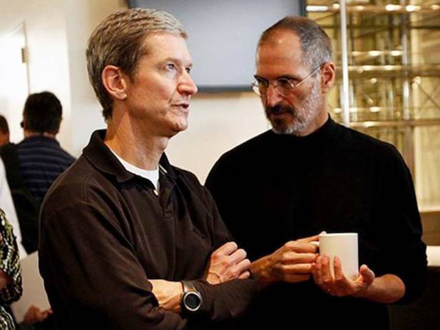 Here's How Steve Jobs Saved Apple And Turned It From A Nearly Bankrupt To A Globally Successful Company