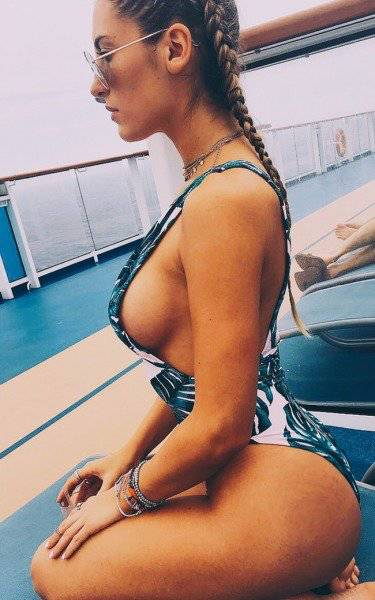 Sideboob Is The Most Beautiful View