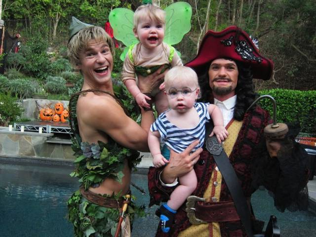 Neil Patrick Harris And His Family Are Definitely The Champions Of Halloween Costumes