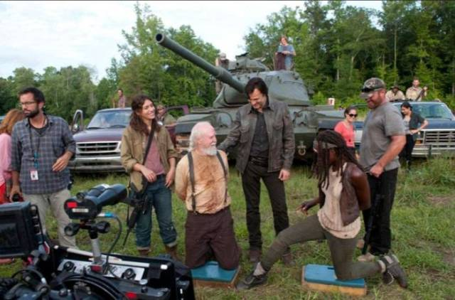 """""""Walking Dead"""" Cast Seem To Have So Much Fun Behind The Scenes 10. Kinky Insults From All Around The World"""