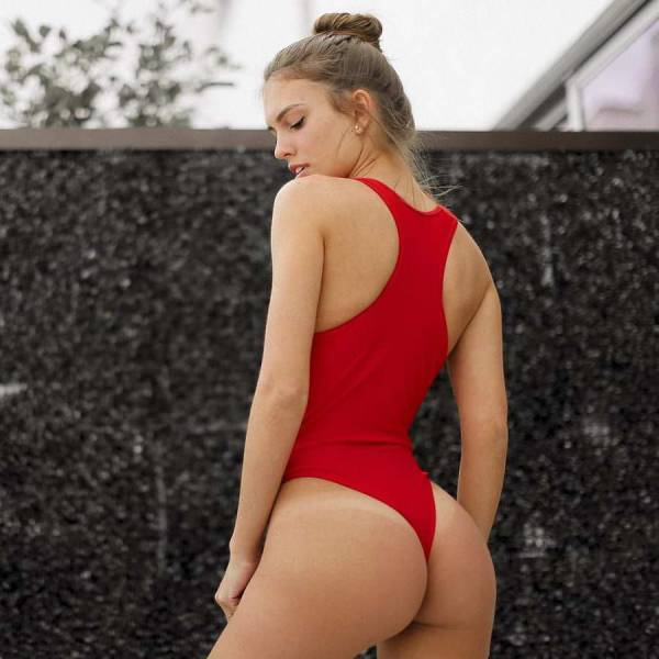 One-Piece Swimsuits Are Sexy As Hell!