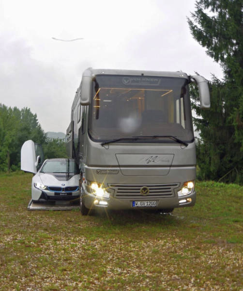 This Motorhome Is No Less Luxury Than Many Penthouses