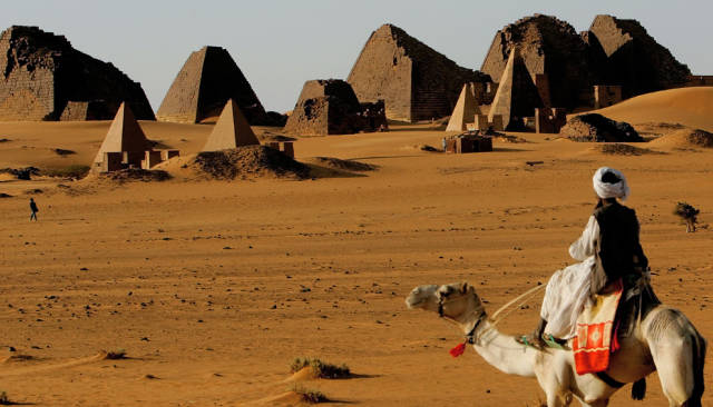 How Cars Are Transported Through Sudanese Deserts