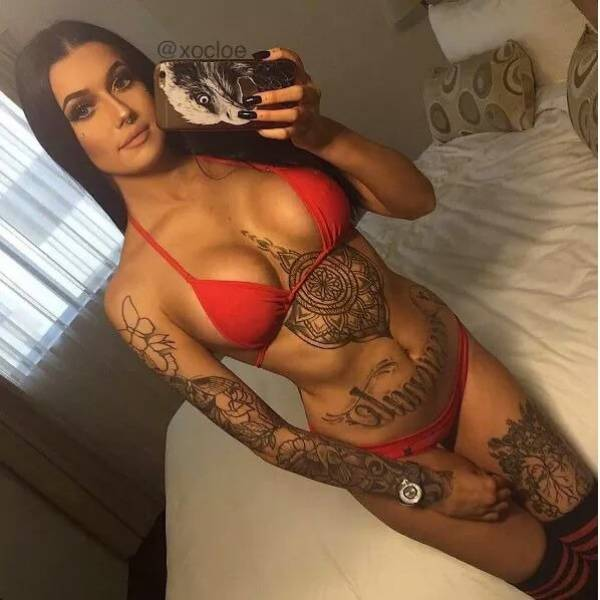 Tattoos Give Girls Some Unique Flair