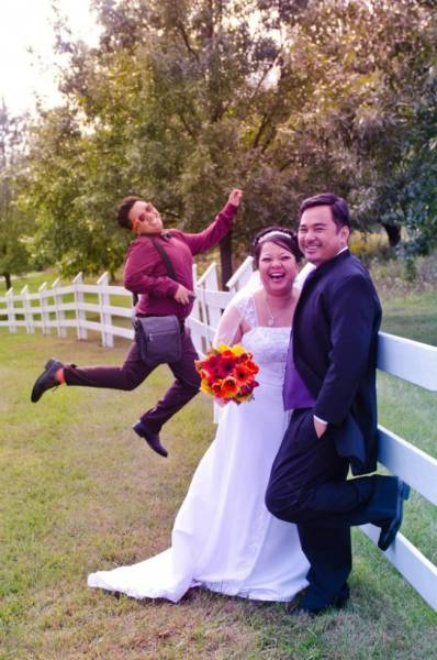 Photobombs Make Wedding Photos Even More Unforgettable