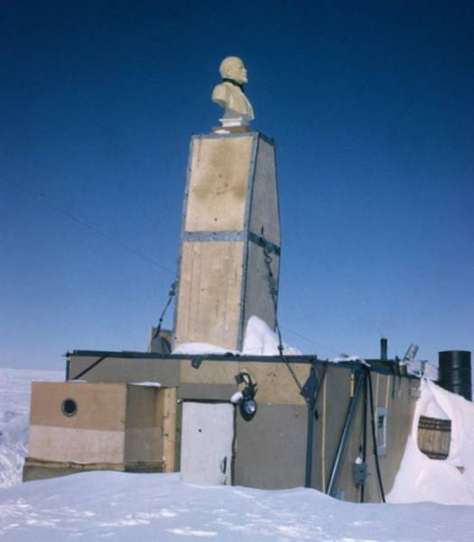 There's Tons Of Abandoned Stations In Antarctica