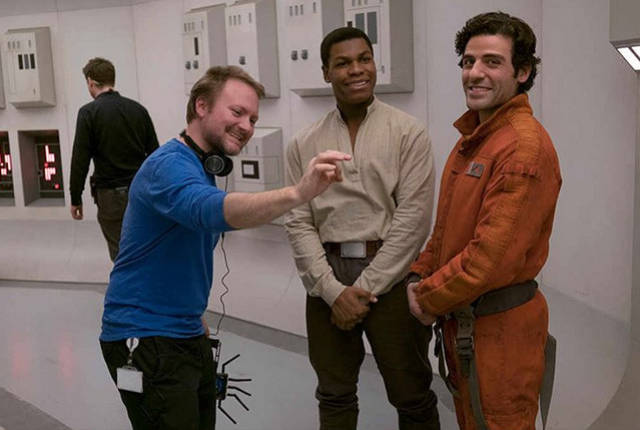 Behind-The-Scenes Shots From Popular Movies Tell So Much More About Them