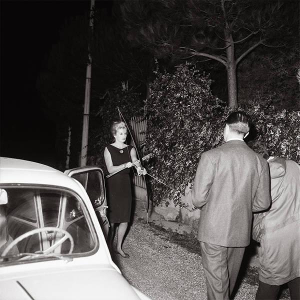 A Sneak Peek Into Nosy Vintage World Of Paparazzi