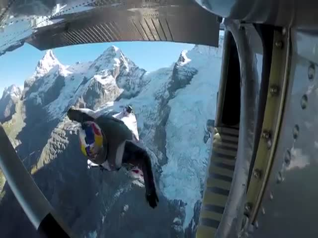 These Wingsuit Flyers Are Insanely Brave
