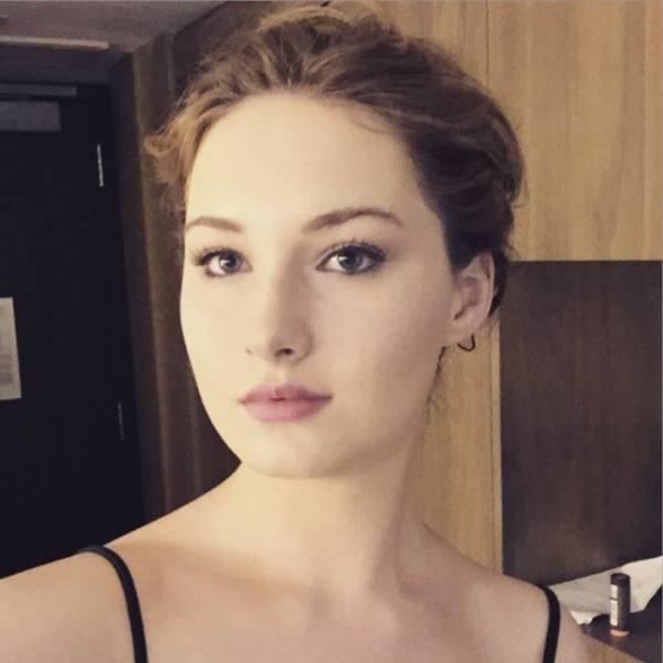Now Jennifer Lawrence Has Her Own Doppelganger!