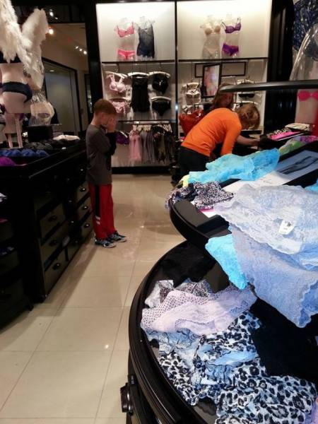 Shopping With Kids Is Only For The Strongest And The Most Patient