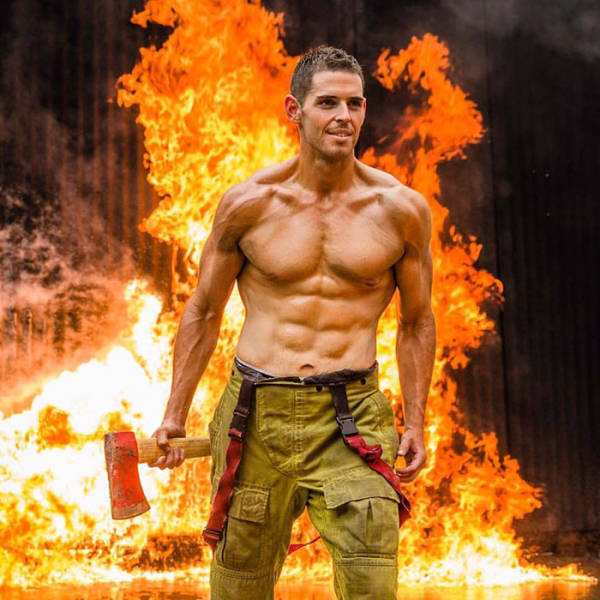 """From A """"Biggest Loser"""" To A Jacked Firefighter 10 Years Later: Sam Rouen's Amazing Story"""