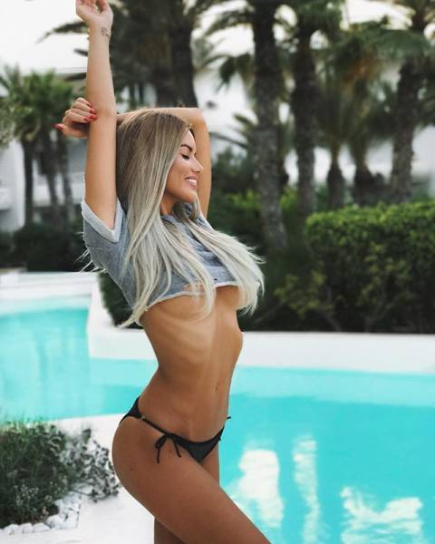The Only Thing Better Than Underboob Is More Underboob