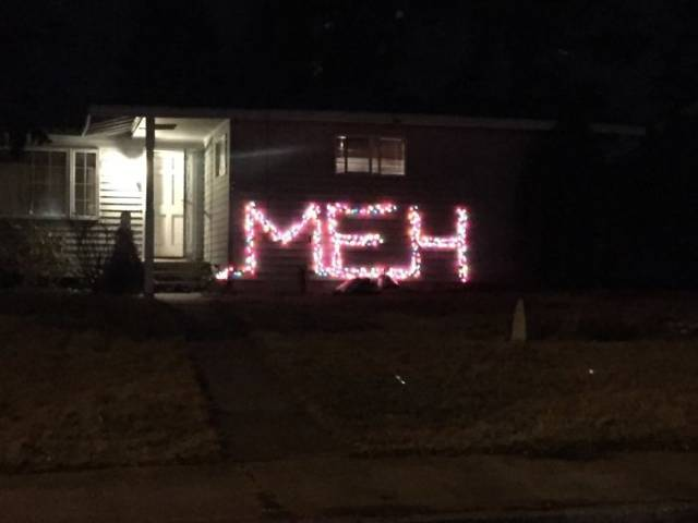 When You're Too Lazy To Decorate Your Home For Christmas