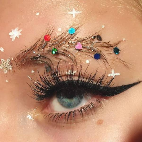 Christmas Has Even Reached People's Eyebrows!