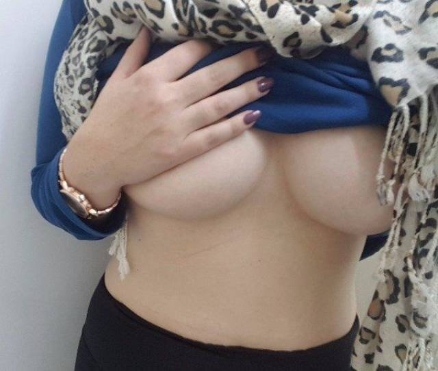 Underboobs We All Need And Deserve