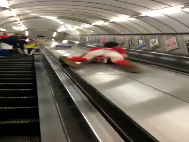 Kids, Don't Slide Down Escalator, Please!