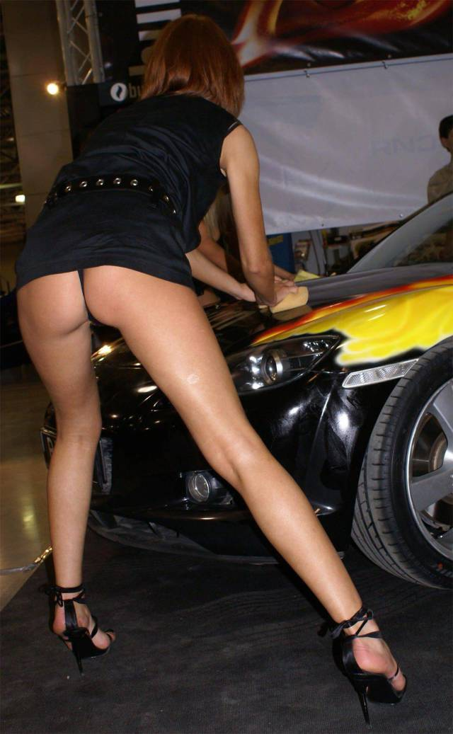 That's Why Girls Are So Needed At Motor Shows!