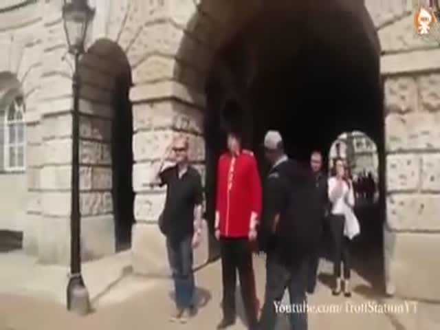 An Asshole Gets Punished By The Queens Guard