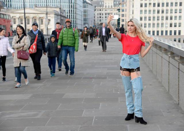 Here's How Asos Crotchless Jeans Look On A Model