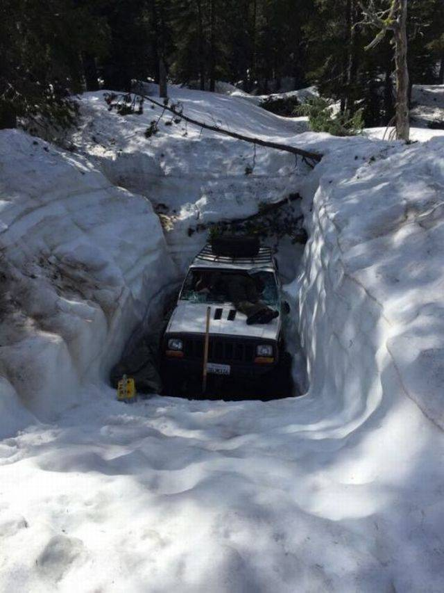 Jeep Digging From Under The Snow