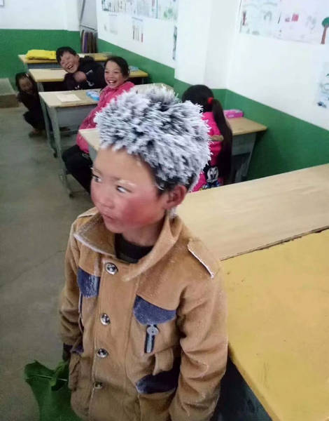 "Internet Tries To Help The ""Ice Boy"" With His 5 Km Path To School Which He Walked In Freezing Cold"