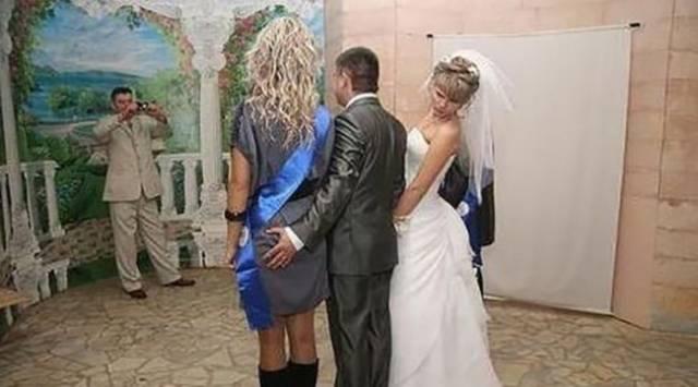 Wedding Photographers Always Catch Something Awkward