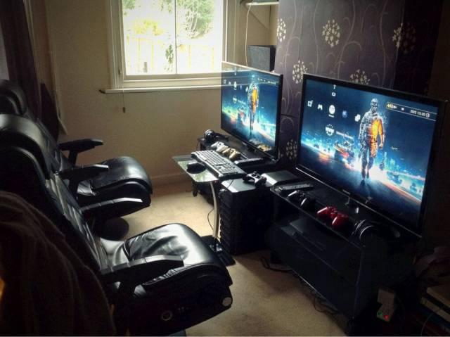 Gamers Gather Around