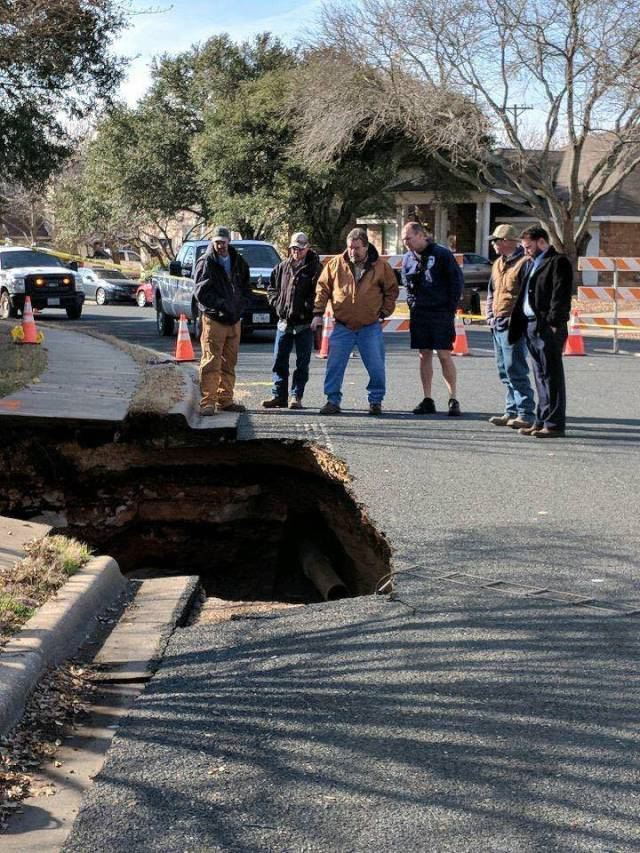 Road Collapsed In Texas Revealing Something Unexpected Beneath The Ground