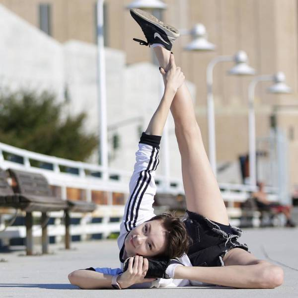 This American Contortionist Girl Is Ultra-Flexible!
