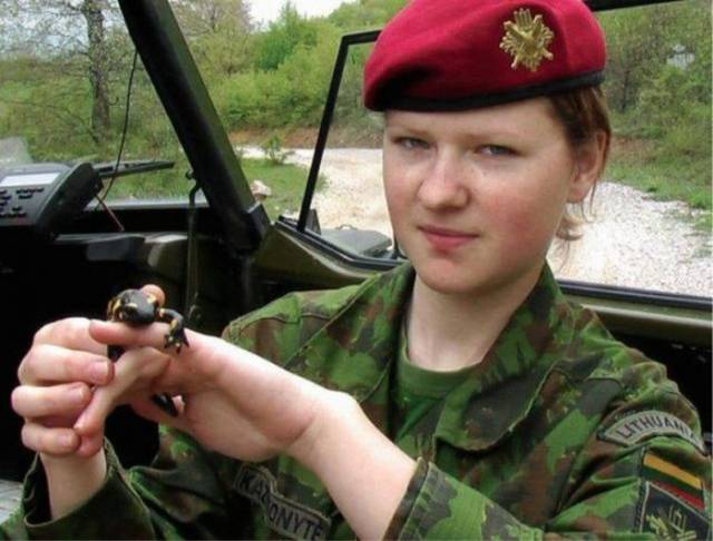 Military Girls With Killer Looks