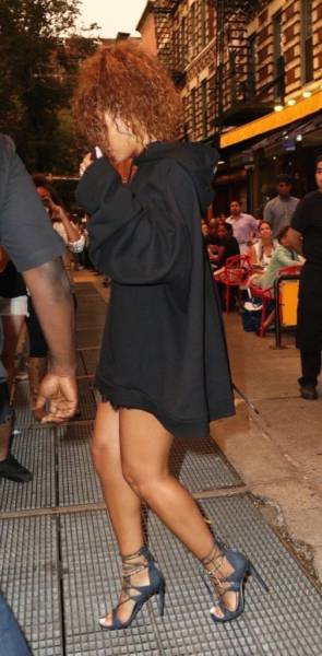 Rihanna Defies Any Reason With Her High Heels In American Cities