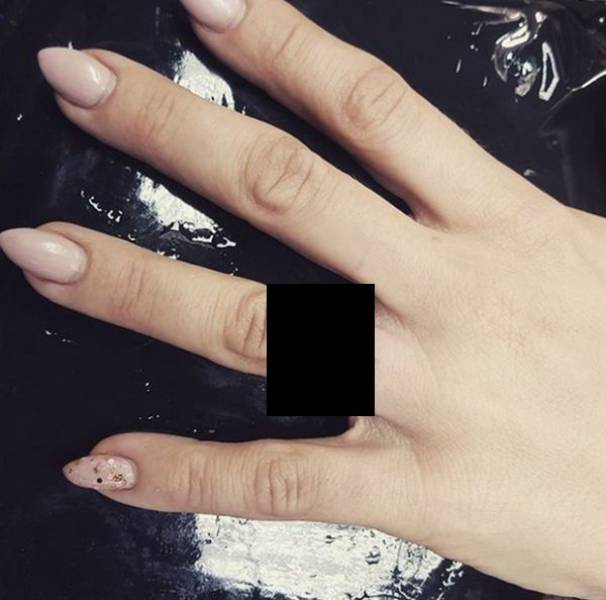 """Some Brides Decide To Never Part With Their """"Engagement Rings"""""""