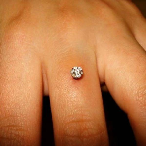 "Some Brides Decide To Never Part With Their ""Engagement Rings"""