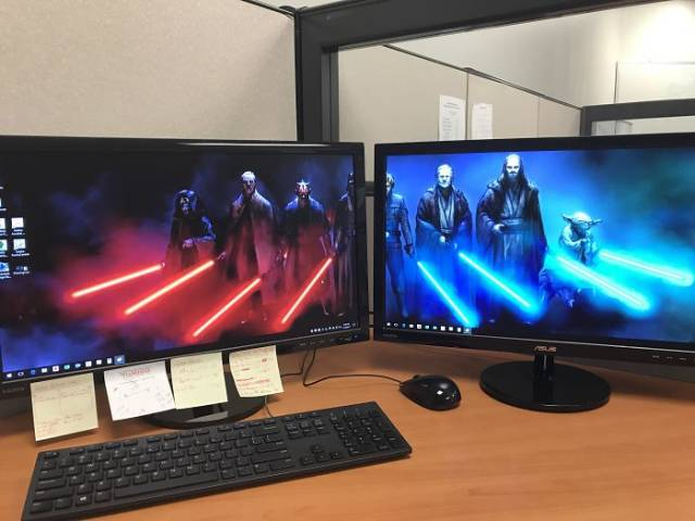 Sometimes People Arrange Their Desktops In Most Genius Ways