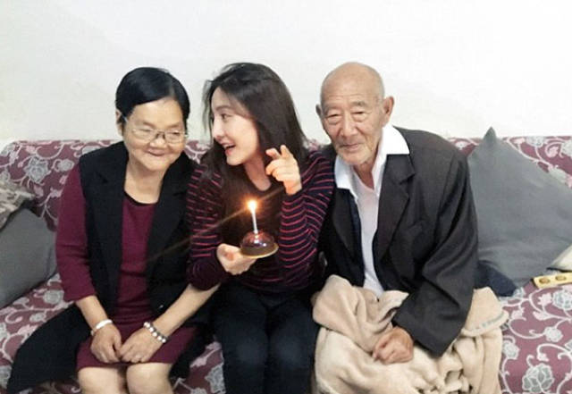 She Made The Greatest Surprise For Her Grandfather Before It Was Too Late