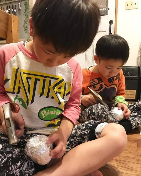 Japanese Are Polishing Aluminum Foil Balls, And It's Unexpectedly Perfect!