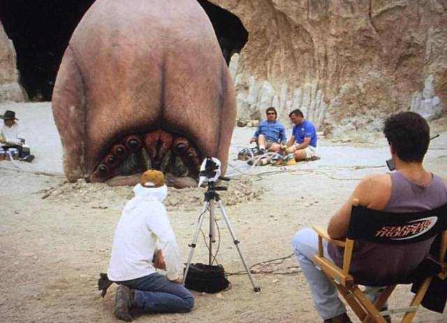 Behind The Scenes Photos From The Famous Movies Are Always Intriguing