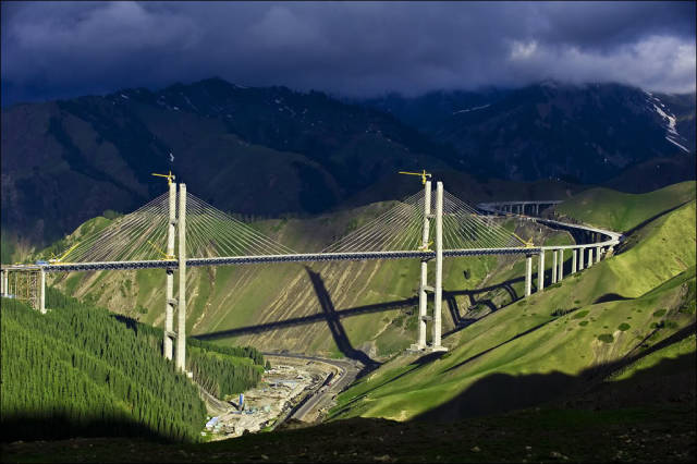 Impressive Highways And Bridges Of China