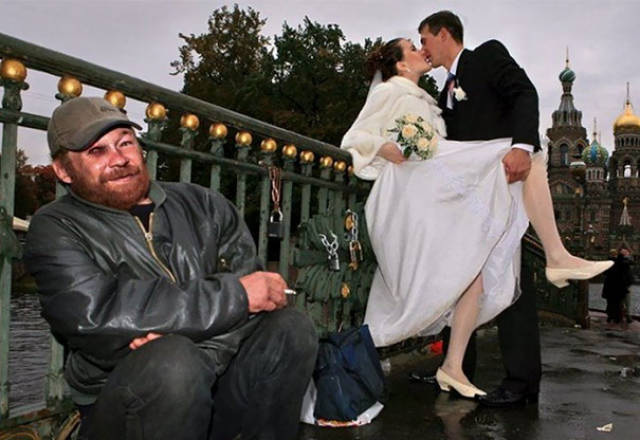 Awkward Russian Wedding Photos Are A Whole New Level Of WTF