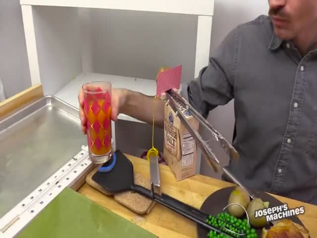 Goldberg Machine That Delivers Cakes