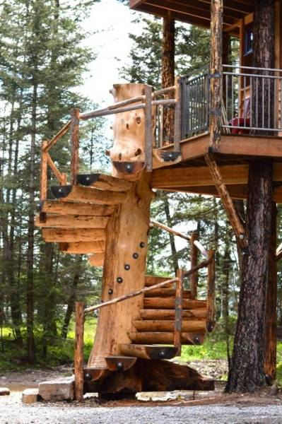 A Luxurious Treehouse For You To Leave The Civilisation Behind