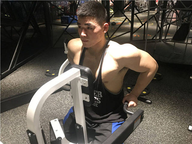 Absolutely Unbelievable Progress In Bodybuilding In Just Half A Year By A Chinese Student
