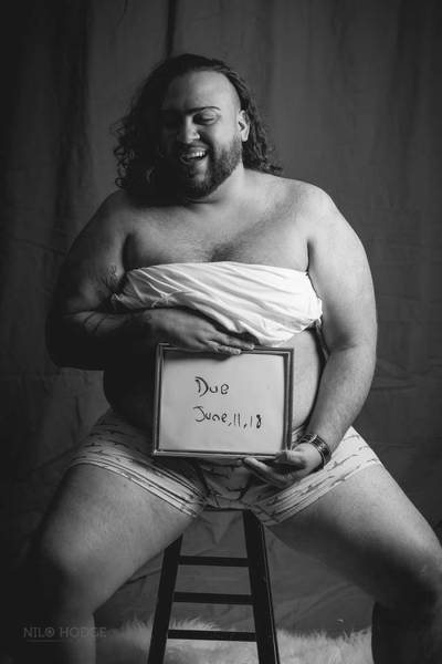 If A Mother Refuses To Do A Maternity Photoshoot, Then Father Has To Do It!