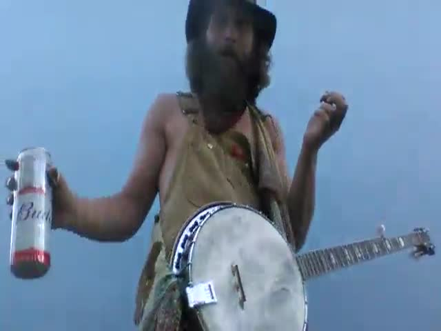 Hillbilly Knows Exactly What To Do With His Banjo!