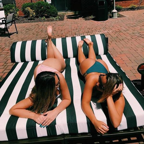 Fantastic Girls With Beautiful Smiles And Funny Jokes